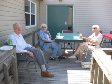 Vacationers relaxed in the sun after enjoying lunch!  August 13, 2010